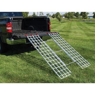 Extreme Max Tri-Fold Ramp, 7'