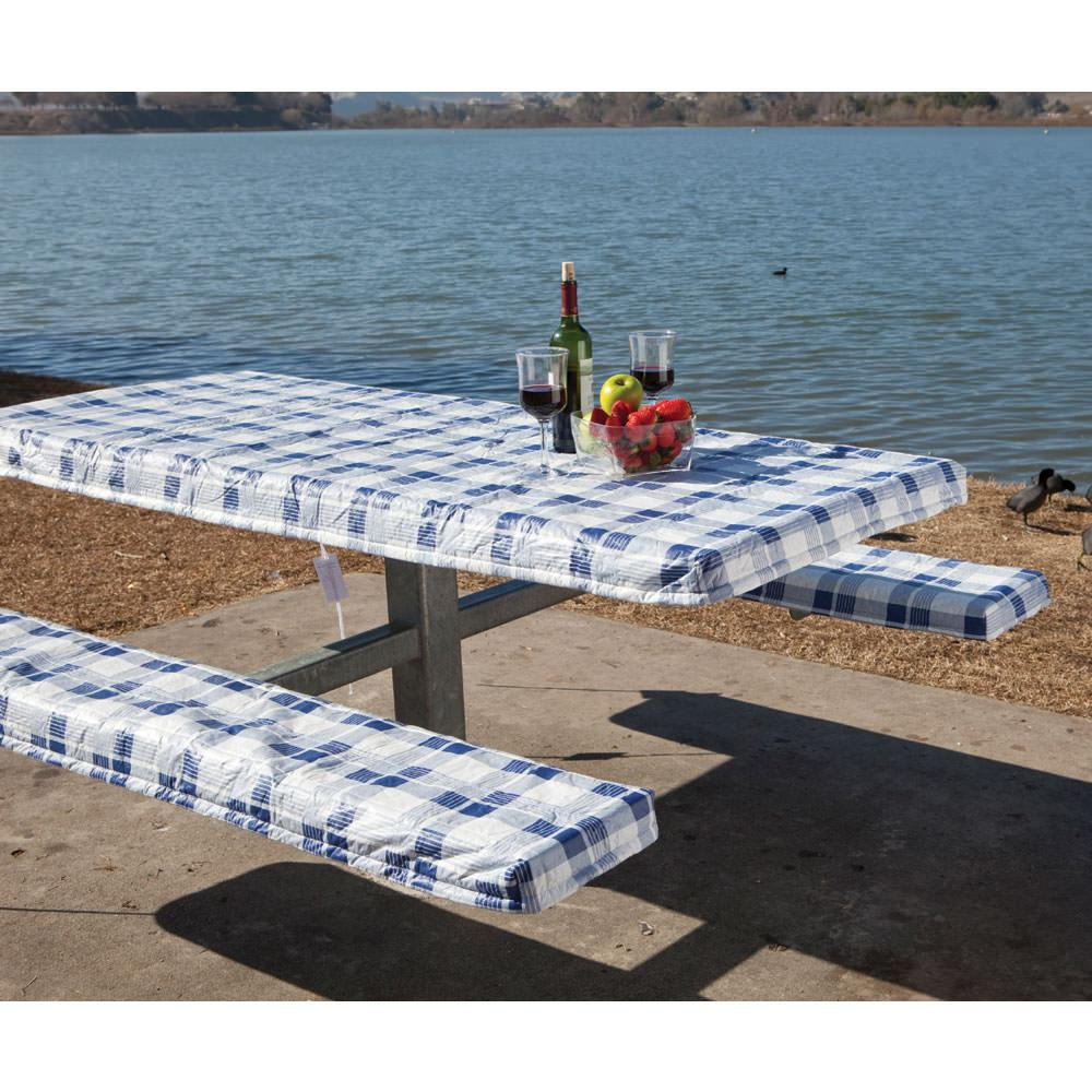 Picnic+Tableclothand+Bench+Covers The campground picnic tables have ...