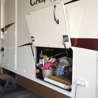 Medium Hatchlift Kit, For Doors 28