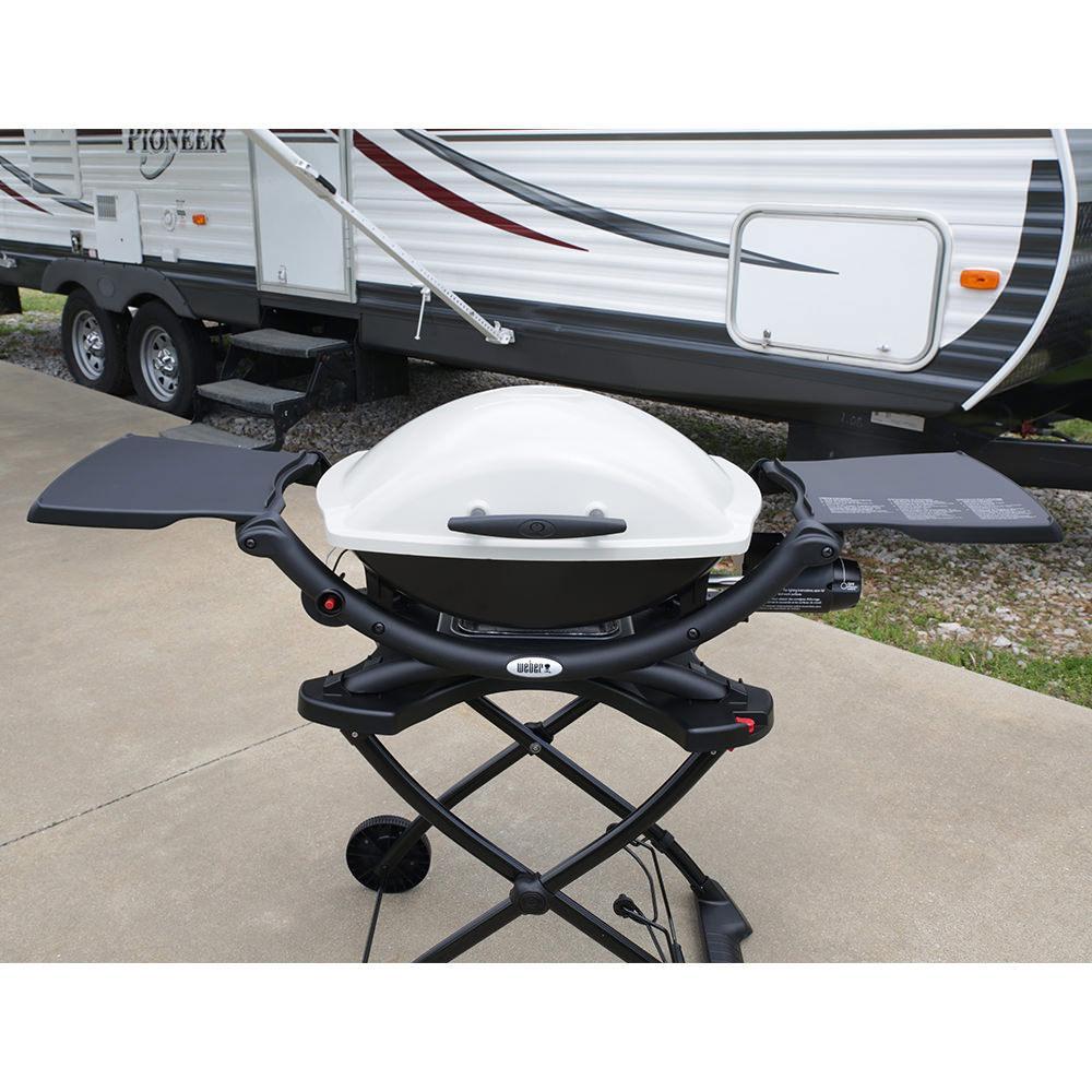 weber q 2000 portable propane grill weber 53060001 gas grills camping world. Black Bedroom Furniture Sets. Home Design Ideas